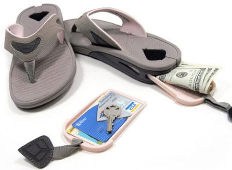 1997Chanclas para camuflar el dinero cuando viajas