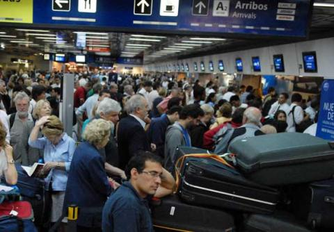 2271Nuevas demoras en el aeropuerto de Buenos Aires